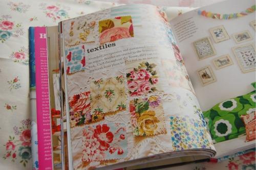 Textiles inside homespun style